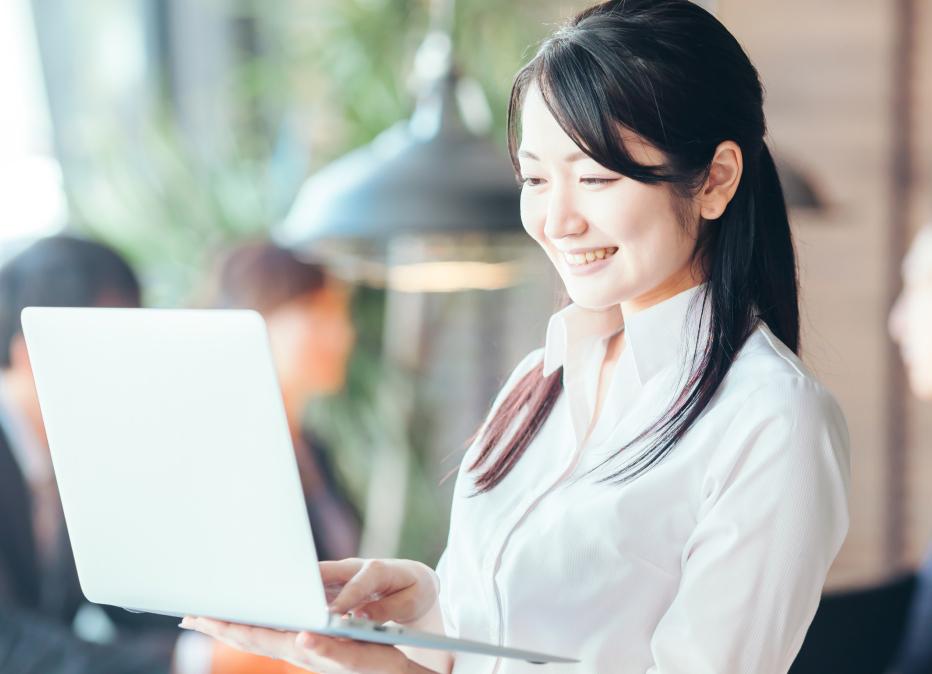 マネジメント・リソースの事業概要ページスマホ用「アプリケーション開発事業」の画像